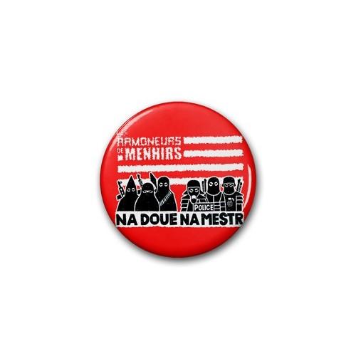 "Badge RDM ""na Doue na mestr"" rouge / Ø 38 mm"