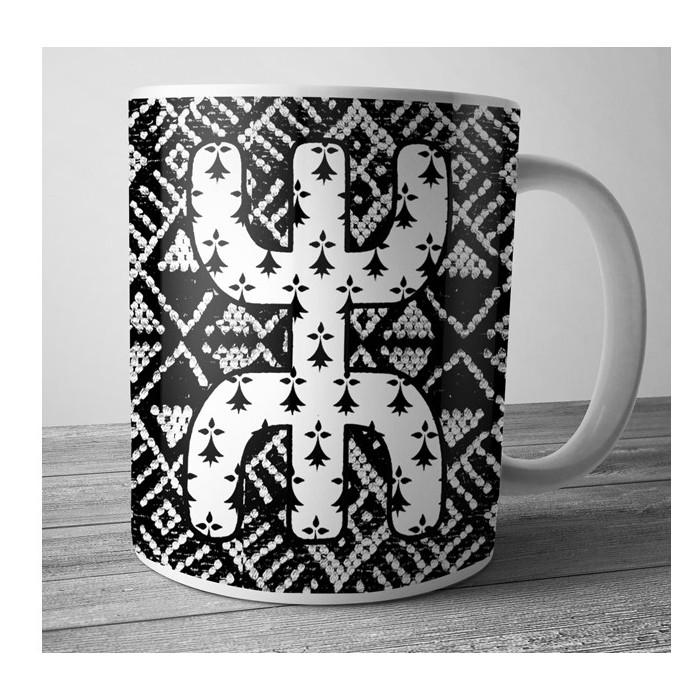 Mug Dolmen in Black v9